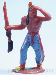 Brinquedos Antigos - Casablanca e Gulliver - Índio de pé com rifle Casablanca numerado 105 Década de 1970