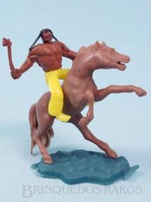 Brinquedos Antigos - Sem identificação - Índio montado a cavalo com machado cópia Timpo Toys Década de 1970