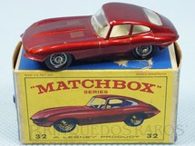 Brinquedos Antigos - Matchbox - Jaguar XK E Type Black Plastic Regular Wheels