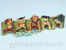 1. Brinquedos antigos - Estrela - Jogo Bolibox composto de Placa estampada com Animais numerados e 12 bolinhas de gude 29,00 cm de comprimento  Ano 1962