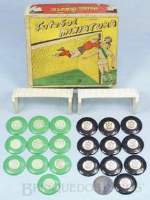 1. Brinquedos antigos - Santa Maria - Jogo de Botão Futebol Miniatura com dois times Corinthians Paulista e Palmeiras 100% original Times completos Faltam os Goleiros Década de 1960