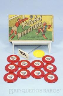 1. Brinquedos antigos - Santa Maria - Jogo de Botão Futebol Miniatura com o time do São Paulo 100% original Completo com Trave e Goleiro Década de 1960