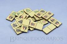 1. Brinquedos antigos - Sem identificação - Jogo de Dominó com Emblemas de Times de Futebol conjunto incompleto apenas 20 pedras Década de 1960