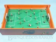 1. Brinquedos antigos - Riper - Jogo de Futebol Eletromagnético Corinthians Paulista e Palmeiras com 30,00 x 40,00 cm Década de 1960