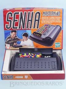 1. Brinquedos antigos - Hasbro - Jogo Senha Mastermind Década de 1990