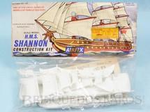 1. Brinquedos antigos - Aurora - Kit do Veleiro H.M.S. Shannon com 12,00 cm de comprimento Importado e distribuído pela Roly Toys Década de 1960