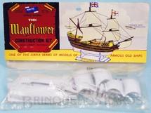 1. Brinquedos antigos - Aurora - Kit do Veleiro Mayflower com 9,00 cm de comprimento Década de 1960
