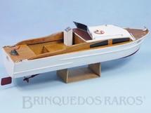 1. Brinquedos antigos - Hobbylandia - Lancha Netuno montada com 30,00 cm de comprimento Motor elétrico Década de 1970