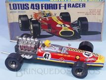 Brinquedos Antigos - Daishin - Lotus 49 Ford Formula 1 Racer com 40,00 cm de comprimento Motor e pistões iluminados Sistema Bate e Volta Década de 1970