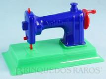 1. Brinquedos antigos - Mirim - Máquina de Costura Mirim com 14,50 cm de comprimento Década de 1960