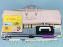 1. Brinquedos antigos - Lanofix - Maquina De Tricô Mini Lanofix com 57,00 cm de comprimento Completa em perfeito estado Década de 1970