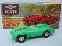 1. Brinquedos antigos - BAB - Mercedes Benz 300 SLR com 14,00 cm de comprimento Coleção Miguel Cerrato Ano 1968