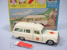 1. Brinquedos antigos - Matchbox - Mercedes Benz Binz Ambulance King Size