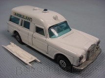 1. Brinquedos antigos - Matchbox - Inbrima - Mercedes Benz Binz Ambulance Brazilian Matchbox Inbrima Super Kings