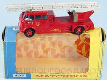 1. Brinquedos antigos - Matchbox - Merryweather Fire Engine King Size