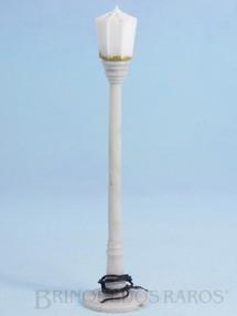 1. Brinquedos antigos - Sem identificação - Poste de Iluminação Pública com 15,00 cm de altura Década de 1970