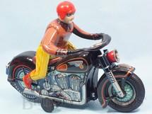 1. Brinquedos antigos - Modern Toys e Masudaya Toys - Motocicleta Atom Motorcycle com 30,00 cm de comprimento O Motociclista monta e desmonta da moto Década de 1960