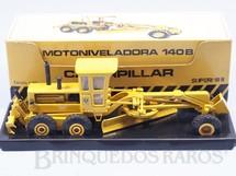 1. Brinquedos antigos - Arpra - Motoniveladora Caterpillar 140B Perfeito estado completa com capota Década de 1980