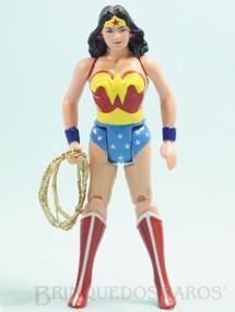 1. Brinquedos antigos - Estrela - Mulher Maravilha articulada completa com Laço Coleção Super Powers Ano 1987