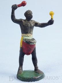 1. Brinquedos antigos - Casablanca e Gulliver - Nativo tocando tambor Série África Misteriosa