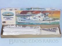1. Brinquedos antigos - Revell - Navio da Guarda Costeira Roger B. Taney caixa mole Década de 1980