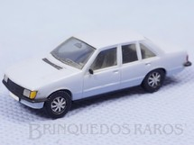 1. Brinquedos antigos - Herpa - Opel Rekord Berlina 2.0 E Década de 1980