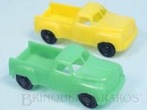 Brinquedos Antigos - Rege - Par de Caminhonetes com 7,50 cm de comprimento Verde e Amarela Década de 1960