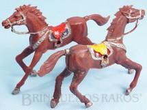 Brinquedos Antigos - Casablanca e Gulliver - Par de Cavalos de Cowboy marrons Casablanca numerados 4 com furo lateral para Carro�as