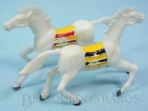 Brinquedos Antigos - Casablanca e Gulliver - Par de Cavalos índio brancos com furo lateral para Carroças