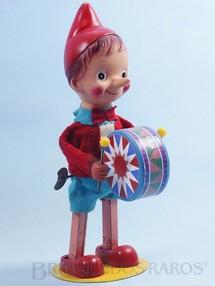 1. Brinquedos antigos - Sem identificação - Pinóquio tocando Tambor 30,00 cm de altura Roupas de feltro Década de 1960
