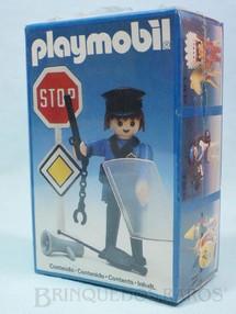 1. Brinquedos antigos - Trol - Playmobil Policial Caixa Lacrada  Década de 1980