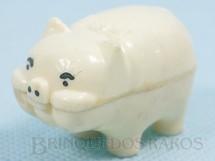 1. Brinquedos antigos - Flexa Carioca - Porquinho chocalho com 5,00 cm de comprimento Brinde de Ovo de Páscoa Década de 1960
