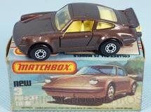 Brinquedos Antigos - Matchbox - Porsche Turbo Superfast marrom metálico