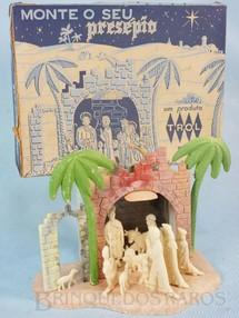 1. Brinquedos antigos - Trol - Presépio com 10 figuras 3,5 cm de altura Coleção Miguel Cerrato Década de 1960