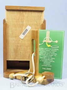 Brinquedos Antigos - Sem identifica��o - Quebra Cabe�a com 14,00 Cm de altura Brinde da BM&F Bolsa Mercantil e de Futuros Ano 2000
