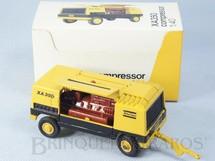 1. Brinquedos antigos - Arpra - Reboque Compressor Atlas Copco XA350 Crawler Drill Década de 1980
