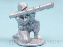 1. Brinquedos antigos - Balila - Soldado ajoelhado com Bazuca 6,00 cm de altura Plástico alumínio Década de 1960