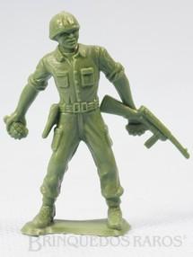 1. Brinquedos antigos - M.P.C. - Soldado americano atirando Granada Figura Matriz de soldado do Brinde Toddy Década de 1960