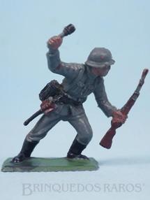 1. Brinquedos antigos - Casablanca e Gulliver - Soldado atirando Granada Uniforme Alemão da Segunda Guerra Mundial Década de 1970