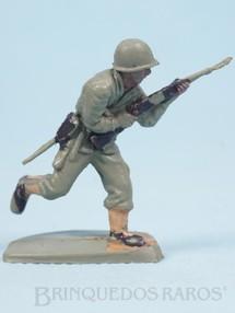 Brinquedos Antigos - Casablanca e Gulliver - Soldado correndo com fuzil Uniforme Americano da Segunda Guerra Mundial Década de 1970