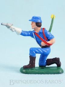 Brinquedos Antigos - Casablanca e Gulliver - Soldado da 7� Cavalaria ajoelhado atirando com revolver Ano 1986