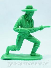 1. Brinquedos antigos - Casablanca e Gulliver - Soldado da Sétima Cavalaria avançando com rifle Plástico verde Década de 1980