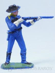 Brinquedos Antigos - Casablanca e Gulliver - Soldado da 7ª Cavalaria de pé atirando com rifle