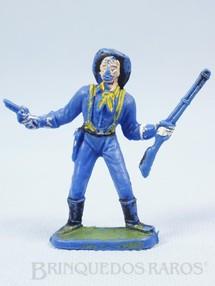Brinquedos Antigos - Casablanca e Gulliver - Soldado da 7� Cavalaria de p� com rifle e revolver