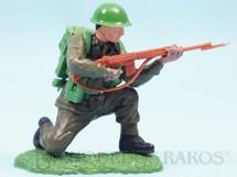 1. Brinquedos antigos - Britains - Soldado do Exército Inglês ajoelhado atirando com fuzil Série Swoppet Década de 1960