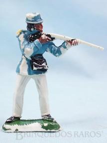 1. Brinquedos antigos - Casablanca e Gulliver - Soldado em pé atirando com fuzil Série Tropas Imperiais Década de 1970