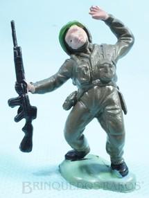 1. Brinquedos antigos - Britains - Soldado inglês ferido Figura Matriz de soldado do Brinde Toddy Década de 1960