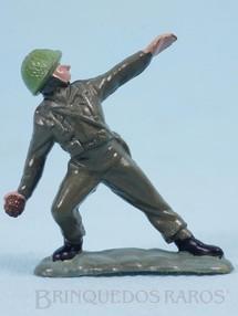 Brinquedos Antigos - Britains - Soldado inglês jogando granada Figura Matriz de soldado do Brinde Toddy Década de 1960