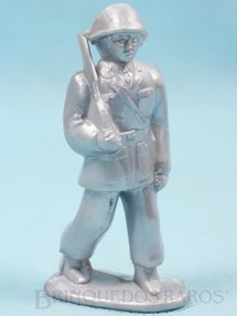 1. Brinquedos antigos - Balila - Soldado marchando com Fuzil 8,00 cm de altura Plástico alumínio Década de 1960