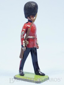 1. Brinquedos antigos - Britains - Soldado Scots Guard Série Deetail Década de 1970